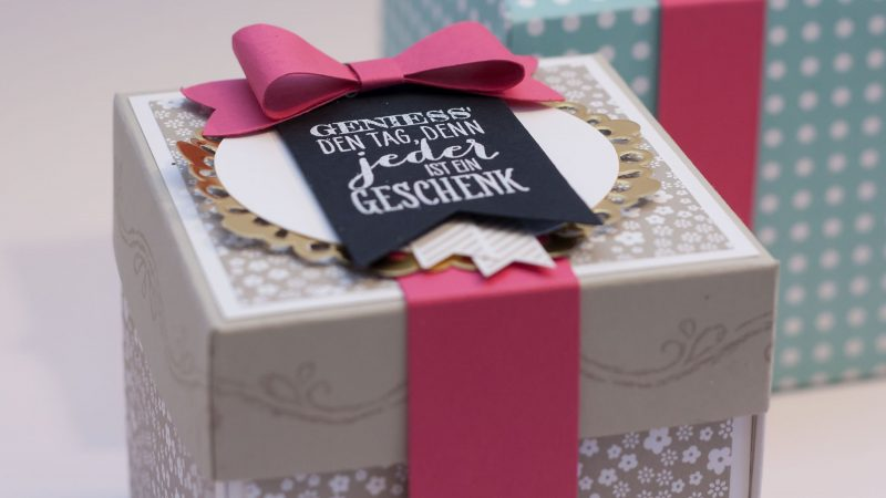 Explosionsbox Anleitung zu Weihnachten Geschenk und Grusskarte in eins