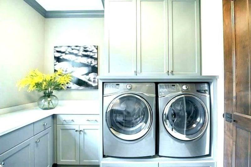 Schrank für Waschmaschine und Trockner eingebaut nebeneinander