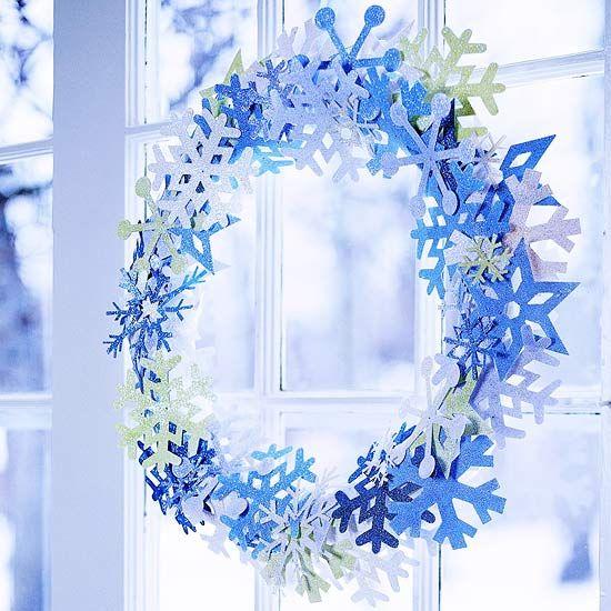 Schneeflocken basteln Kranz Fensterdeko Weihnachten