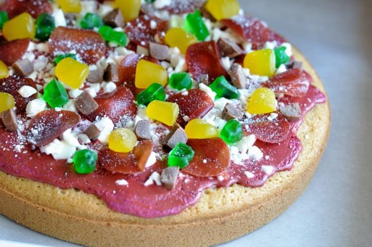 Gummibärchen Torte lustige Idee Pizza