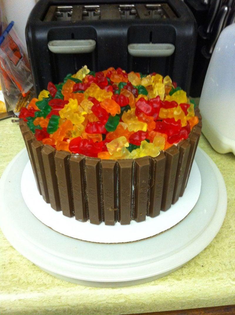 Gummibärchen Torte Schokolade Geburtstag Kind