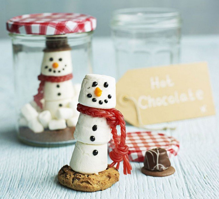 essbare Geschenke im Glas Marshmallows Schneemann