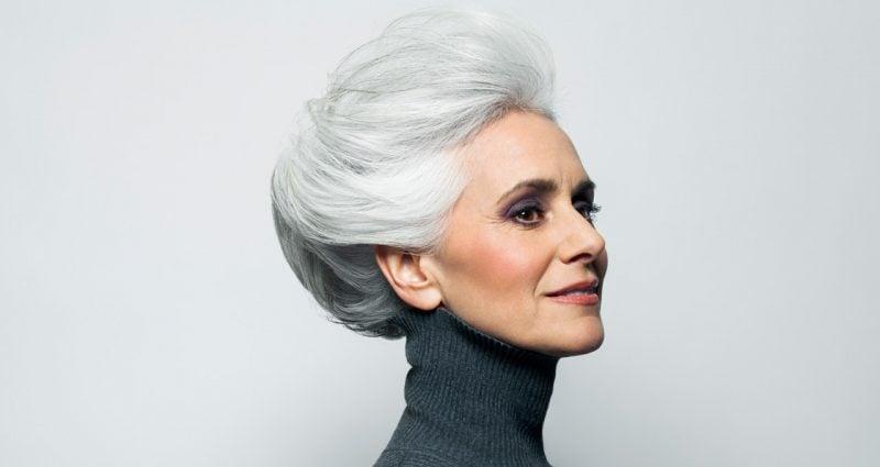 Frisuren 50 plus hochgesteckt Haarfarbe Grau