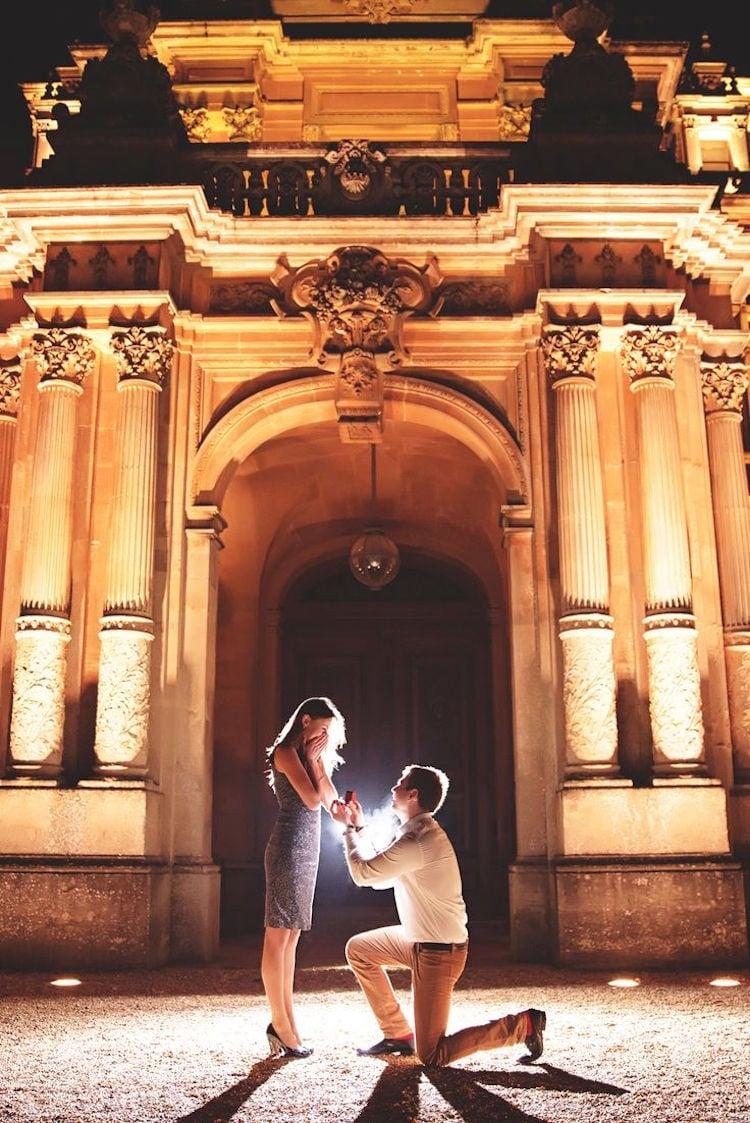 Hochzeitsantrag vor berühmter Sehenswürdigkeit