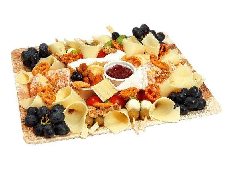 Käseplatte dekorieren Weintrauben Topping