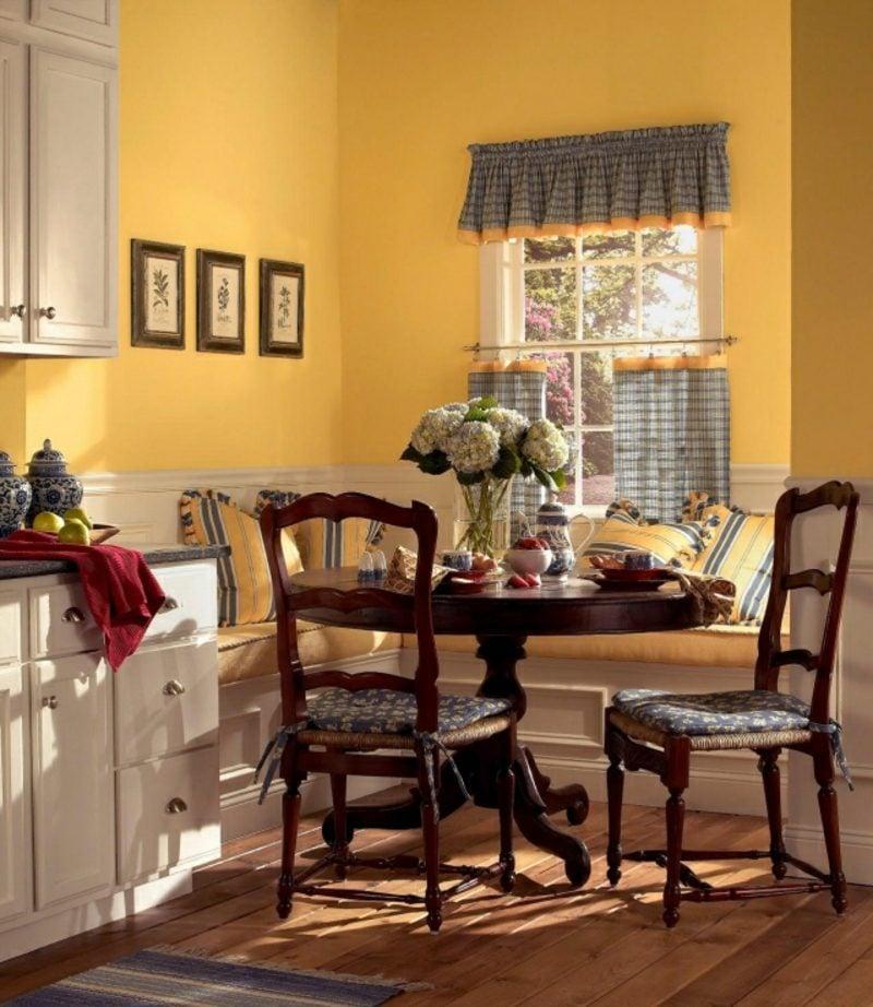 Küche streichen Sonnengelb Landhausstil