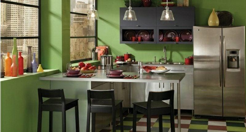 Küche streichen Dunkelgrün frisch stilvoll
