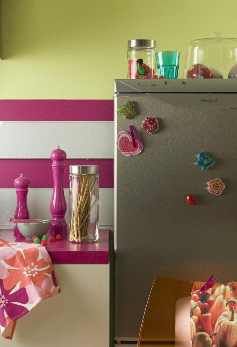 Küche streichen Pastellgrün Fuchsia Weiss