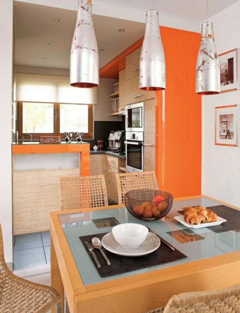 Küche streichen knalliges Orange Lampen Metall