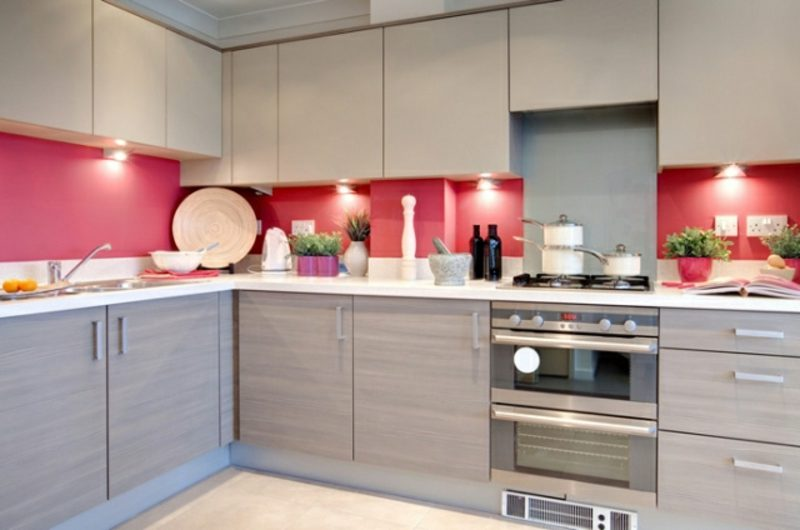 Küche streichen Rückwand Rosarot