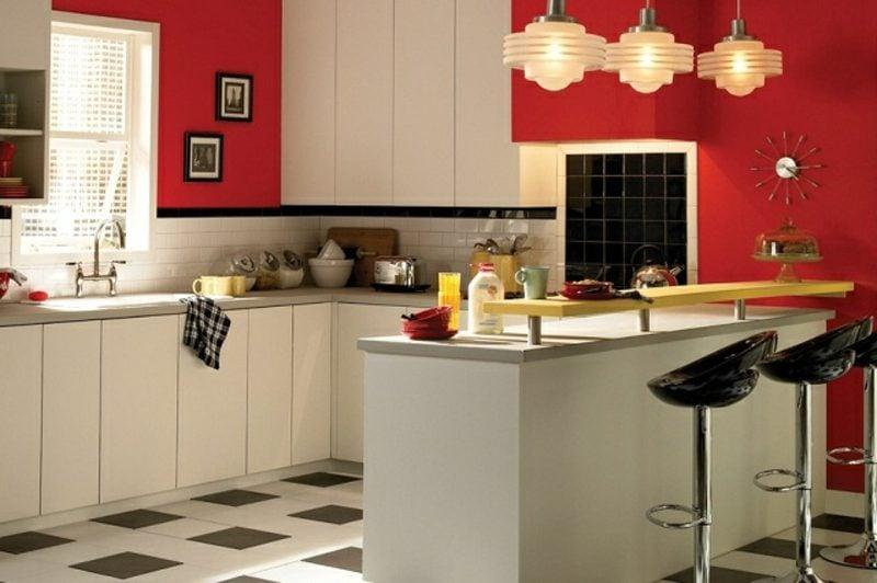 Küche streichen kräftiges Rot