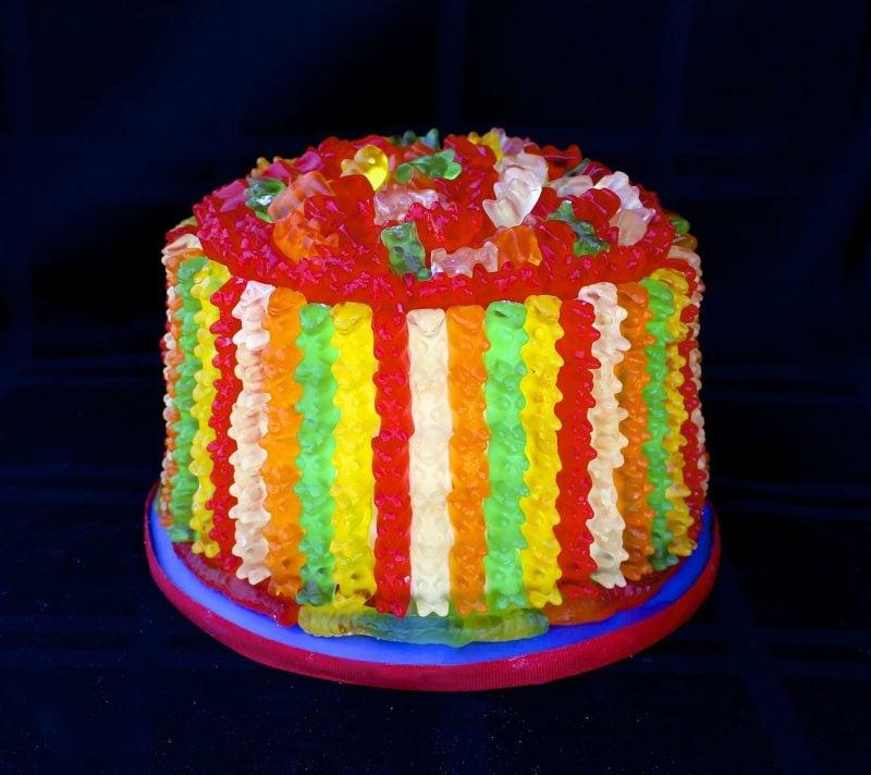 Gummibärchen Torte bunt fröhlich