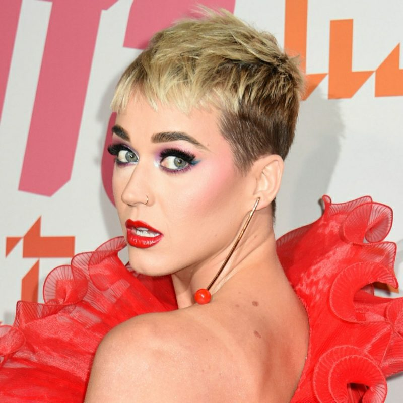 freche Kurzhaarfrisuren Undercut Katy Perry