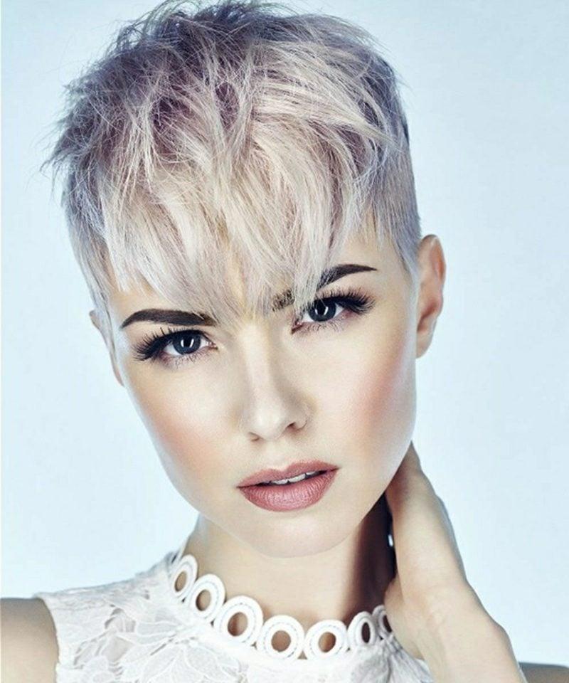 freche Kurzhaarfrisuren blonde Haare Undercut