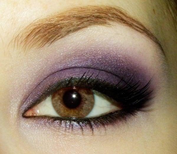 braune Augen schminken Lavendel Lidschatten Mascara