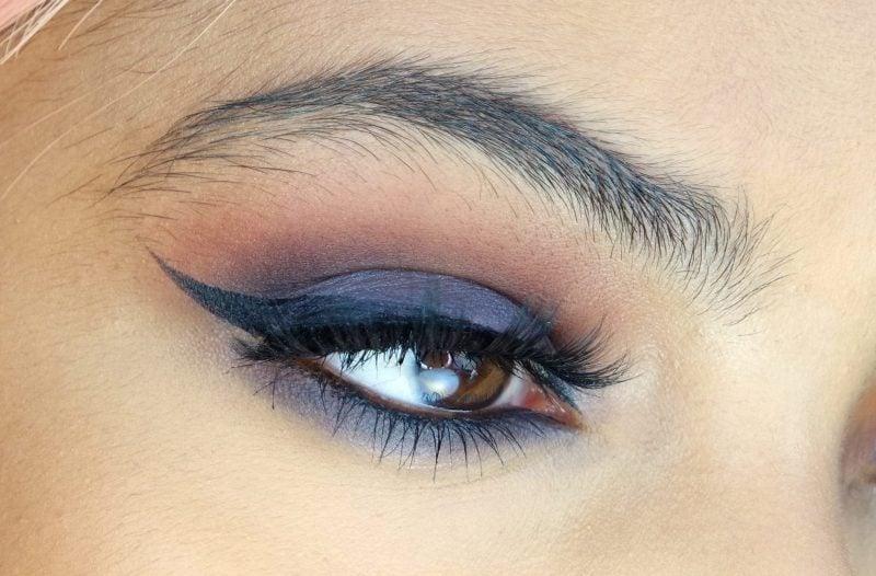 braune Augen schminken Lidschatten blau bronze Lidstrich