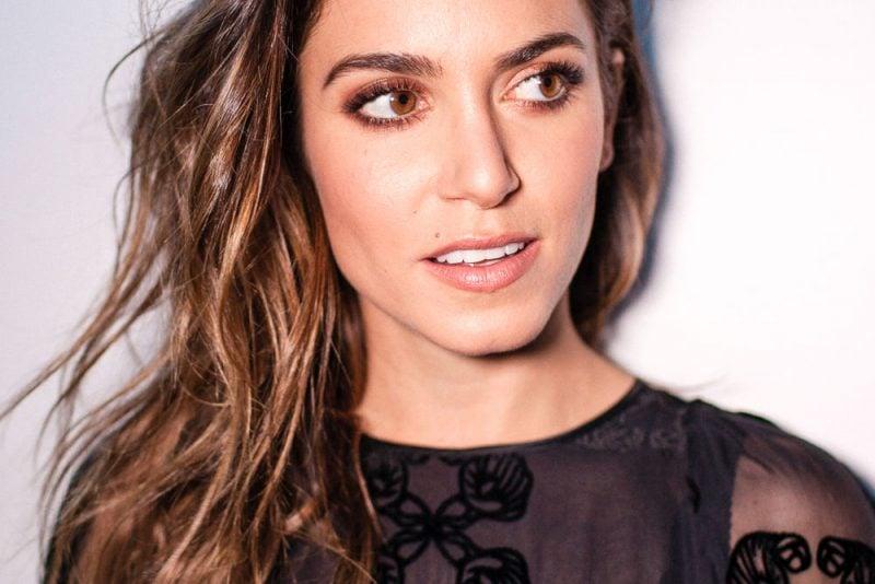 braune Augen schminken Lidschatten bronze Nikki Reed