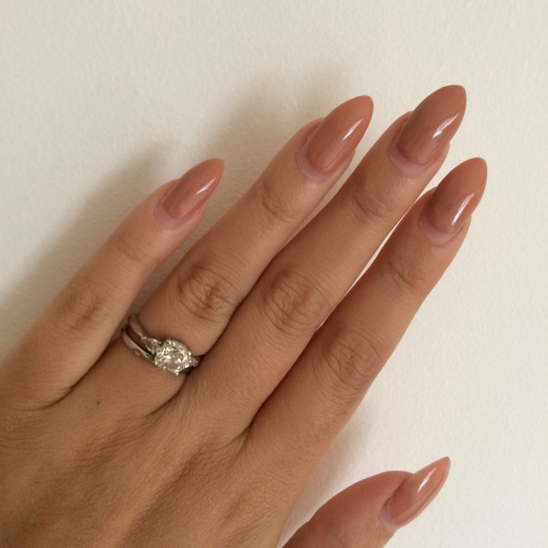 Stiletto Nails Beige