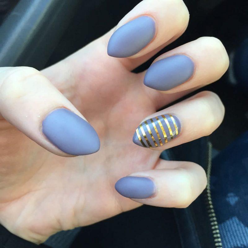 Stiletto Nails grau matt origineller Look