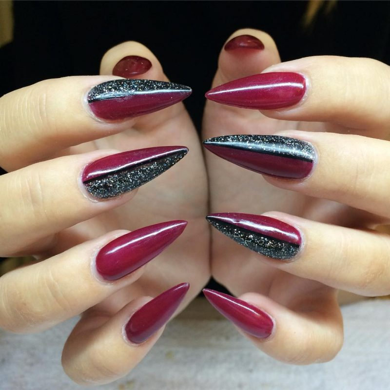 Stiletto Nails spitz Weinrot Schwary super elegant