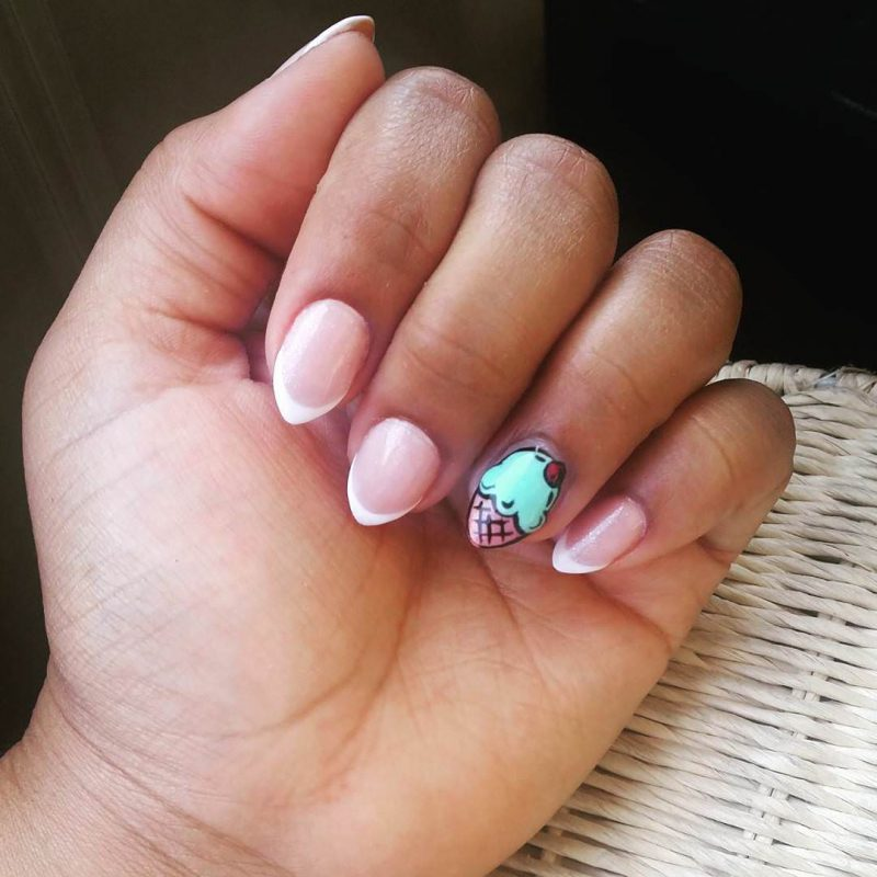 Stiletto Nails kutz Akzentfinger