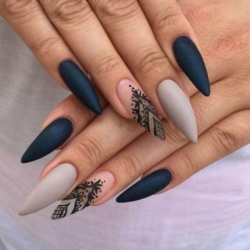 Stiletto Nails schwarz grau Ornamenten