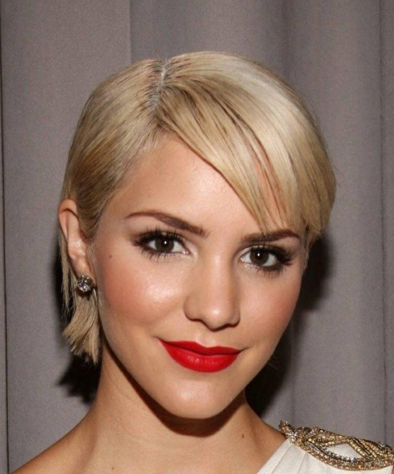 Seitenscheitel richtig stylen Pixie Cut blond
