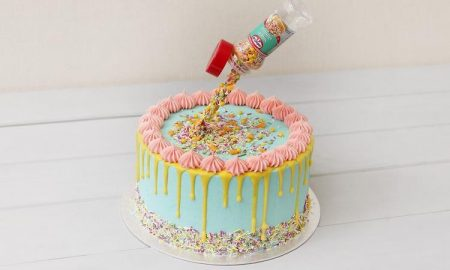 Gravity Cake mit Konfetti Kindergeburtstag