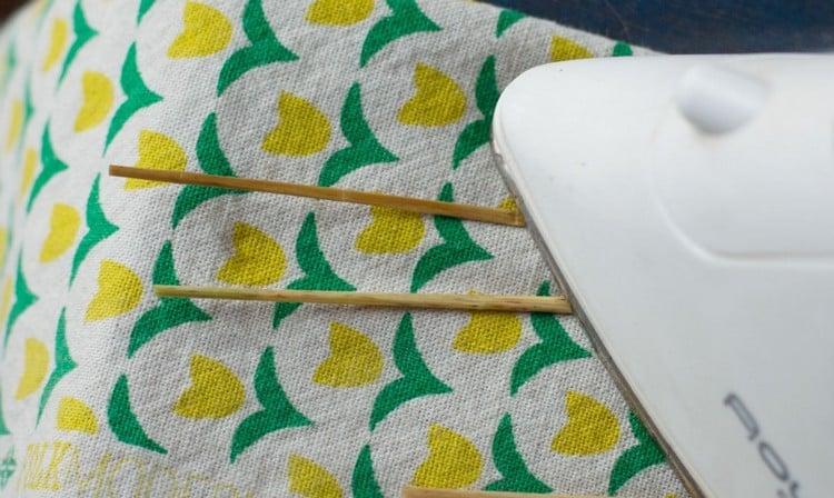 Strohsterne basteln Stroh bügeln