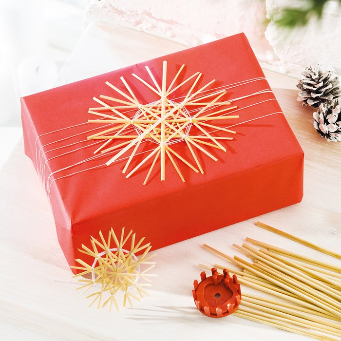 Strohsterne basteln Deko Geschenkverpackung