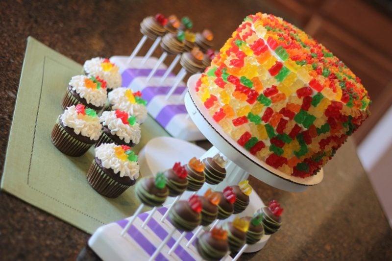 Gummibärchen Torte Muffins Deko Kindergeburtstag