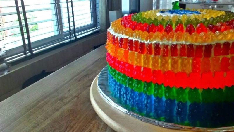 Gummibärchen Torte bunt Kindergeburtstag