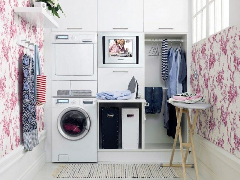 Schrank für Waschmaschine und Trockner eingebaut kleine Wohnung