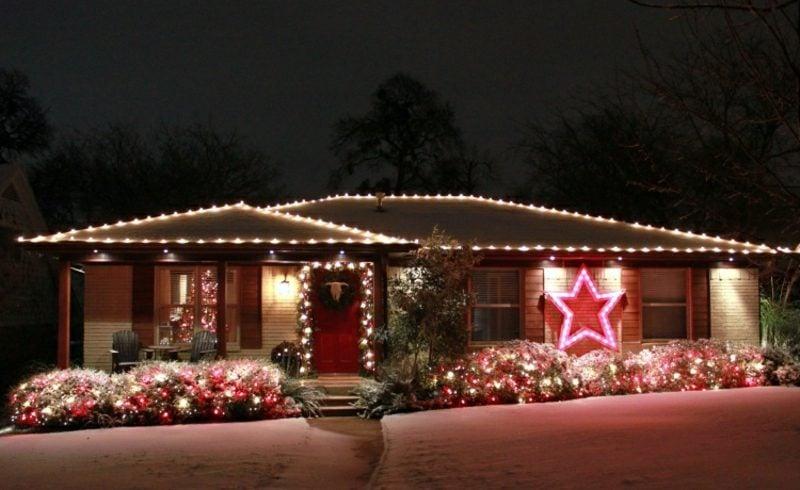 Weihnachtsdeko drauβen Beleuchtung Garten Hausfassade