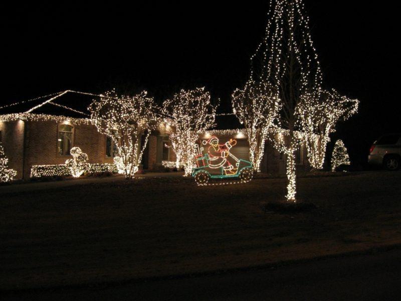 Weihnachtsdeko drauβen Lichterketten Garten