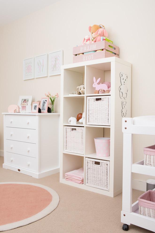 Babyzimmer Mädchen gestalten mit passenden Möbeln