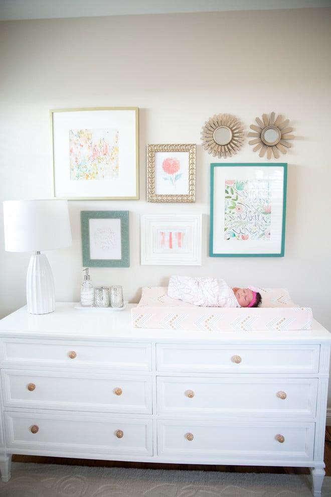 Babyzimmer Mädchen Einrichtungsideen - Sideboad als Wickeltisch