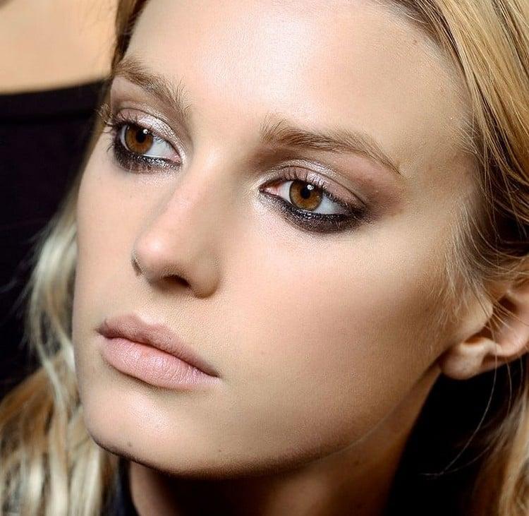 braune Augen schminken Lidschatten schwarz cappucchino