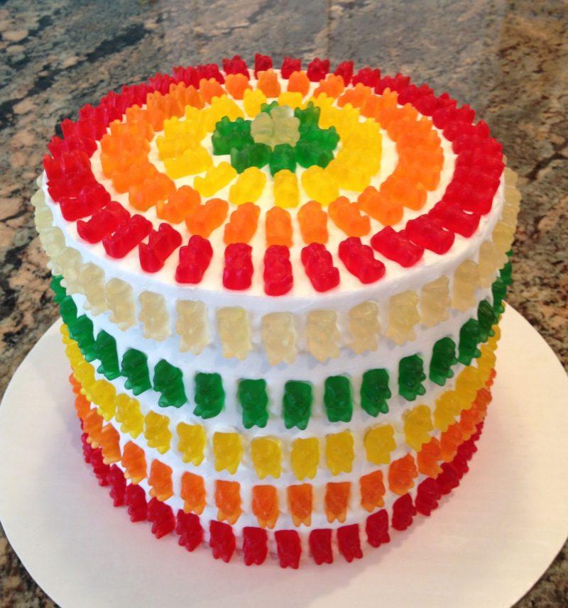 Gummibärchen Torte backen hilfreiche Tipps