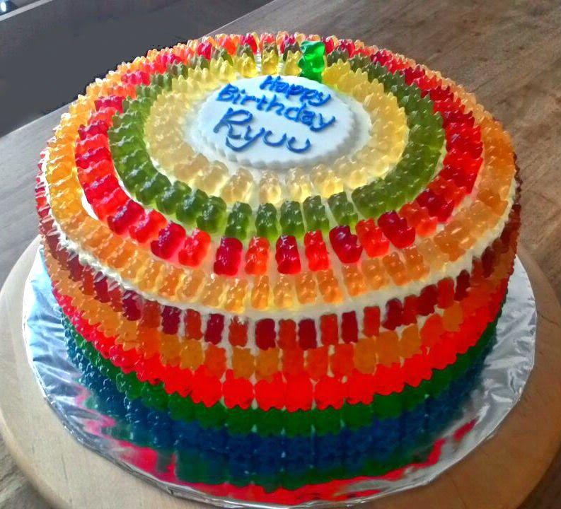 Gummibärchen Torte Rezepte zum Kindergeburtstag