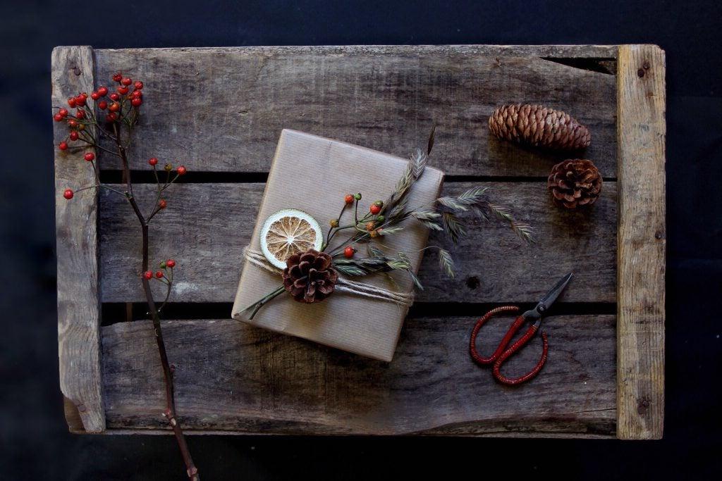Dörrobst als ein Element der richtigen Geschenkverpackung