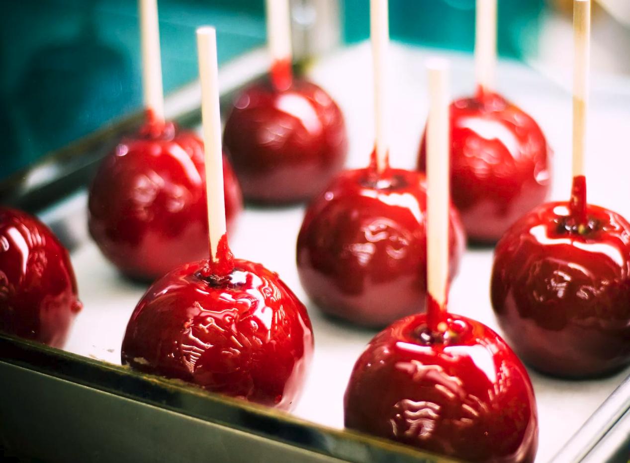 Karamelle Äpfel für Ihre Halloween Party