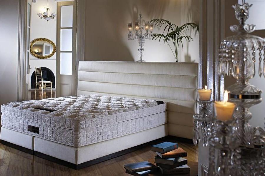Boxspringbett für ein rustik Schlafzimmer