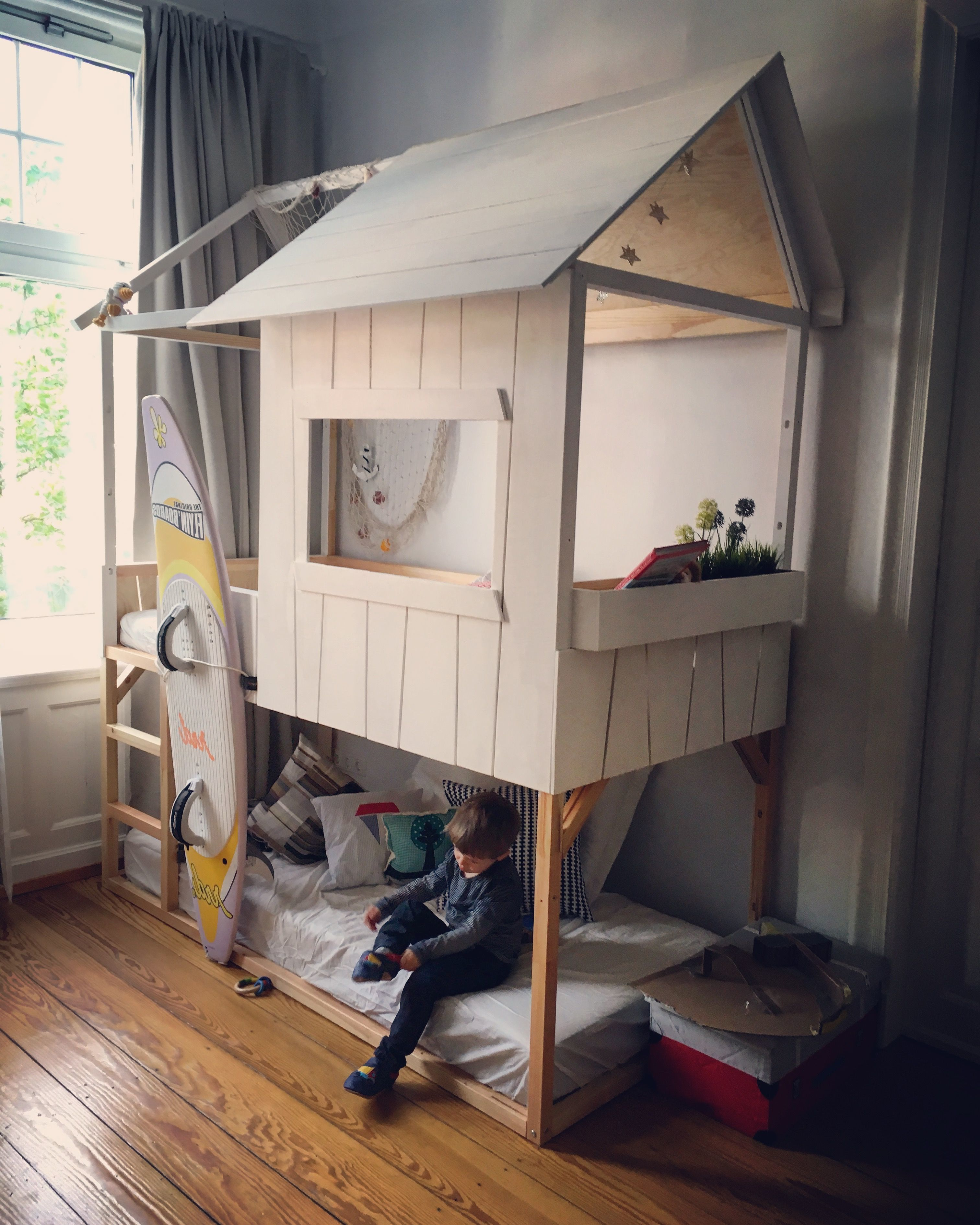 Ikea Kura Bett in ein Kinderhochbett Haus verwandeln