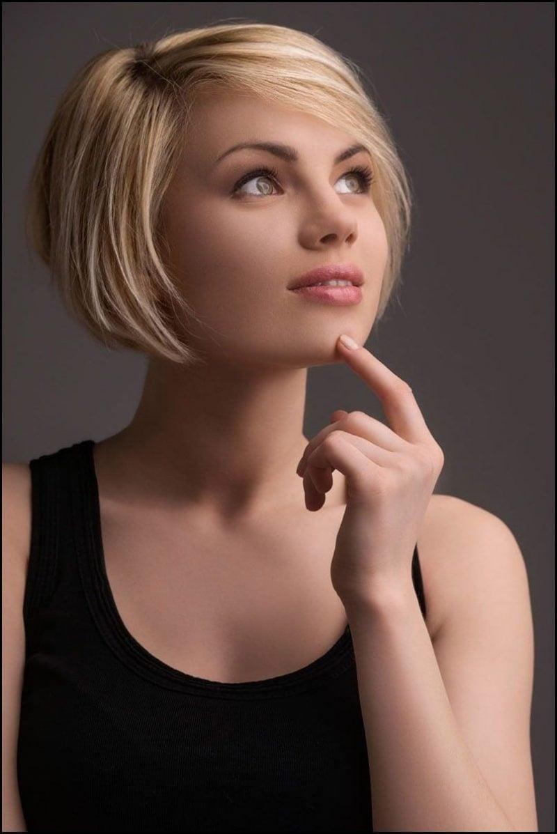 Seitenscheitel richtig stylen moderne kutze Frisur blondes Haar