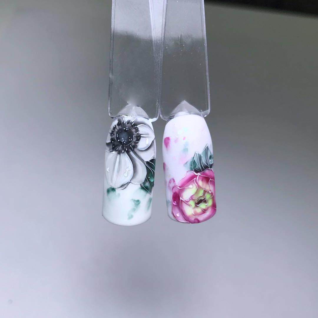 Tolle Nägeldesign Ideen mit Blumen