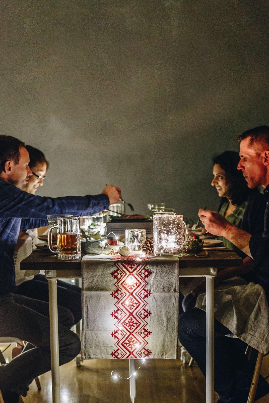Raclette Ideen für einen angenehmen Grill Abend mit Freunden