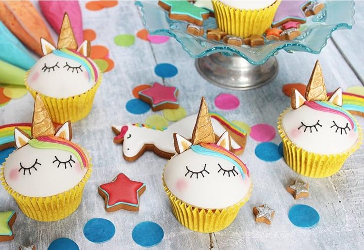Einhorn Muffins zubereiten zum Kindergeburtstag