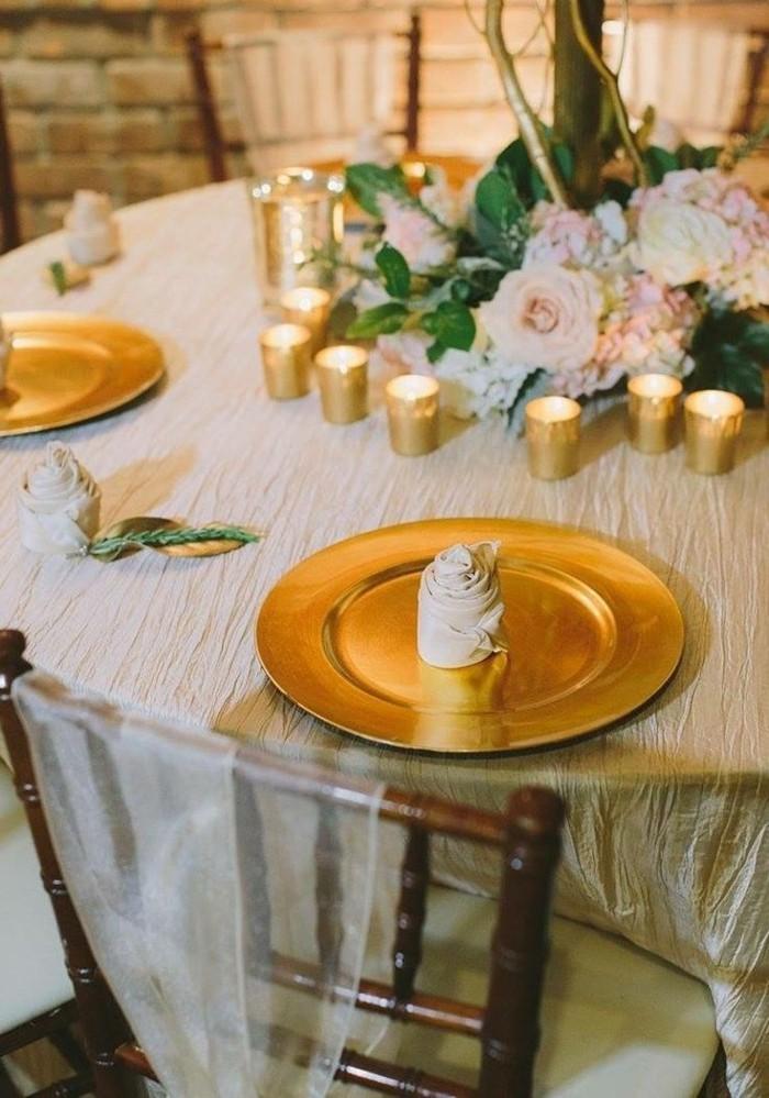 Servietten falten einfach und wirkungsvoll Tischdeko Rose klein