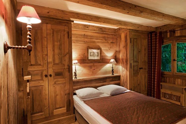 Chalet Schlafzimmer gedämpfte Beleuchtung